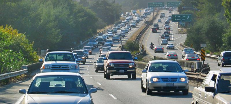 Weekday commute traffic on southbound Highway 1 in Santa Cruz