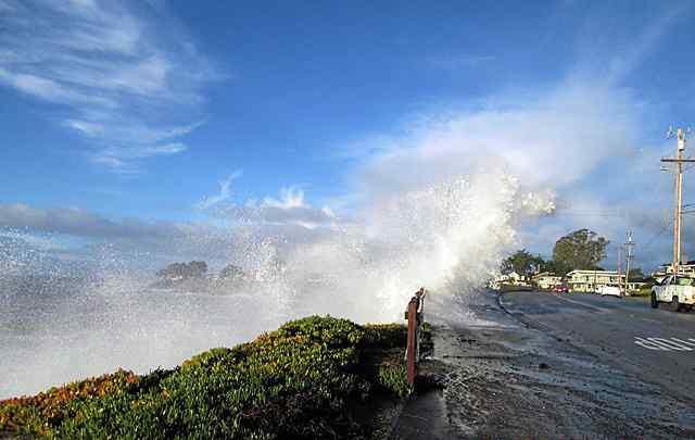 ocean-swell-scz-deptofpw